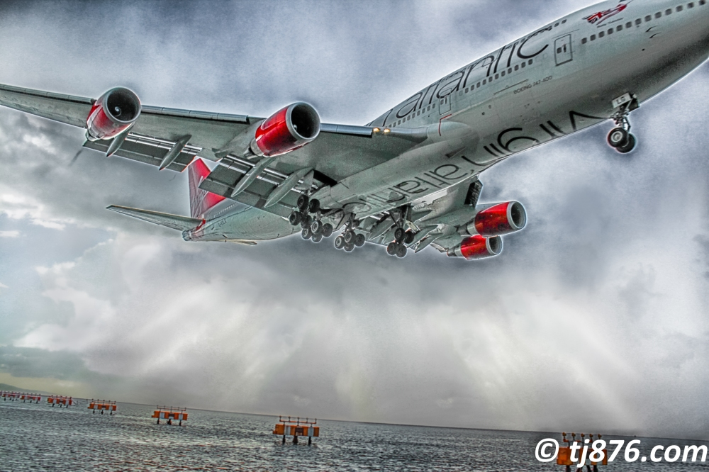 Virgin Atlantic 747 landing in Jamaica